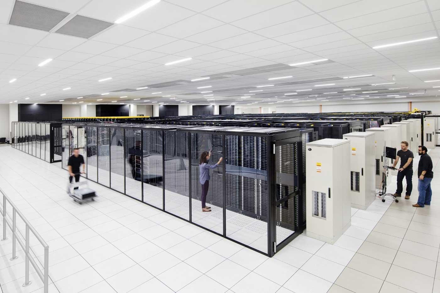 مرکز-داده-فیزیکی-IaaS